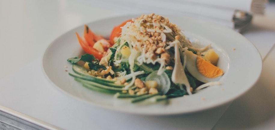 La salade diététique de nouilles asiatiques