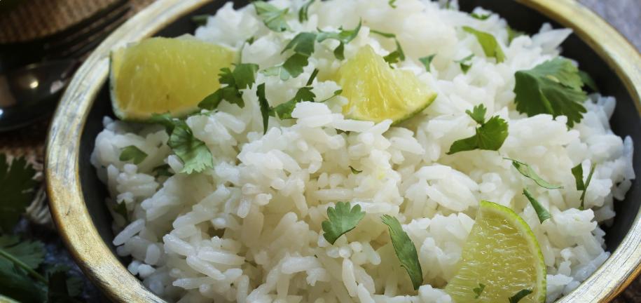 Recette de riz au citron vert et à la coriandre